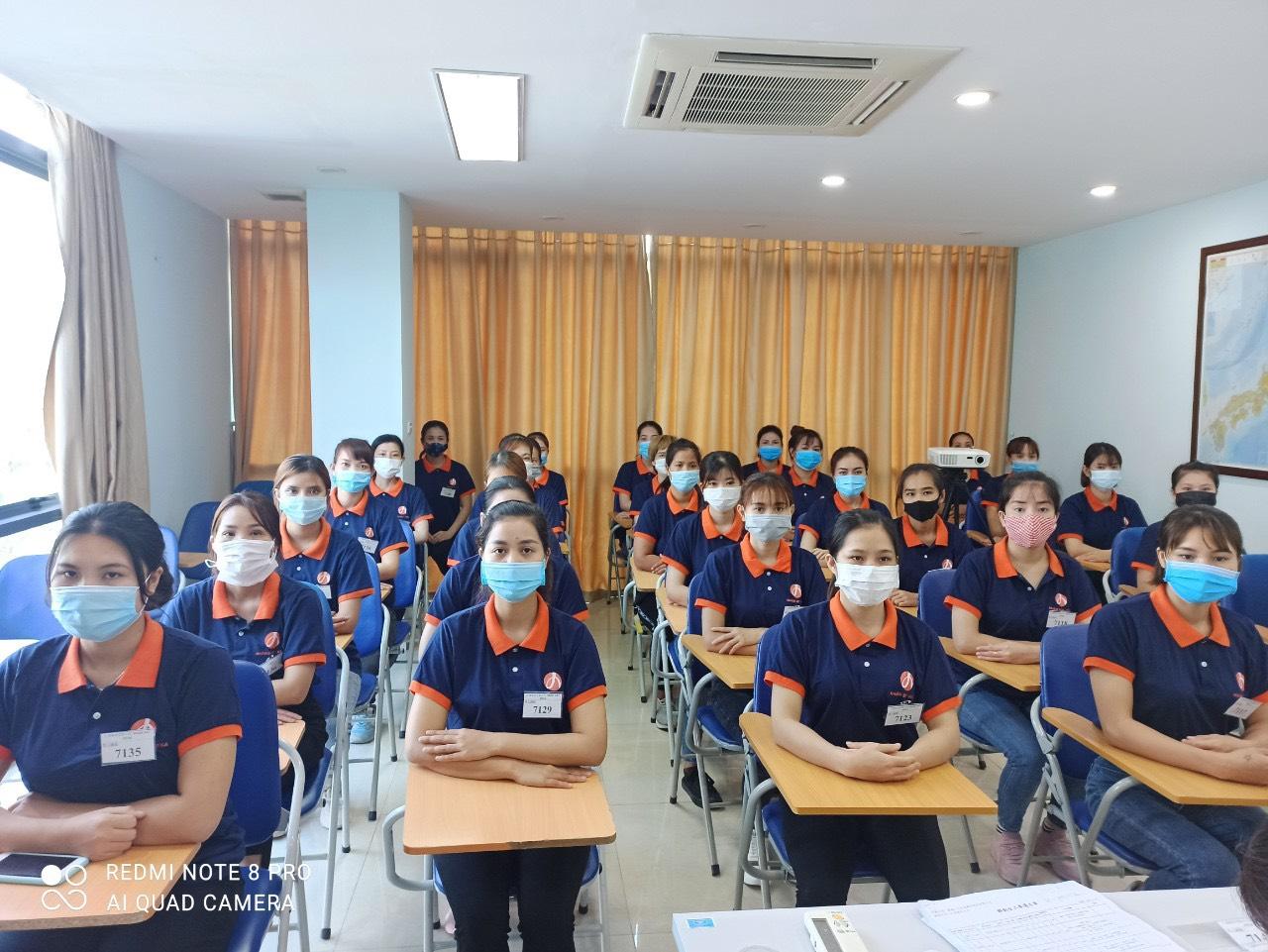 NHÀ MÁY QUANG BẢO TUYỂN 60 NỮ MIỄN PHÍ XUÂT CẢNH KHU NAM TỬ CAO HÙNG | xuat khau lao dong dai loan |xkld lao dong dai loan